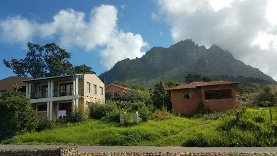 Between Paarl and Stellenbosch.